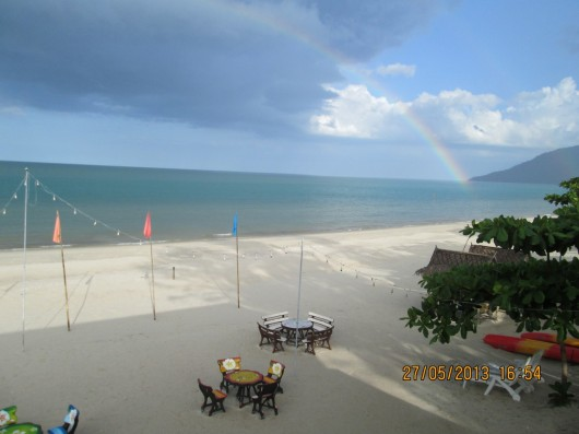 Rainbow over nadan beach (1)